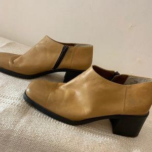 Vintage Leather Chunky square Toe Heel Booties 9